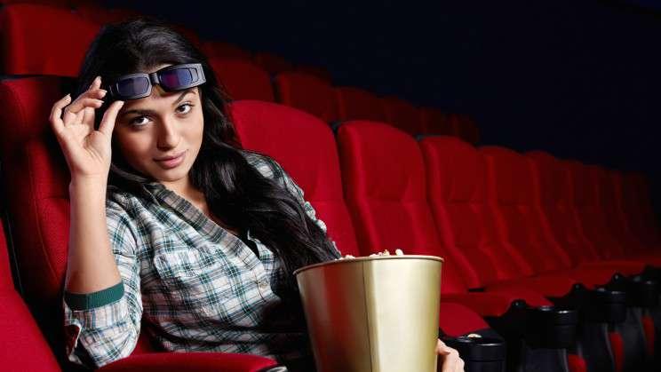 Как понравится девушке, чтобы она пошла с вами в кино.