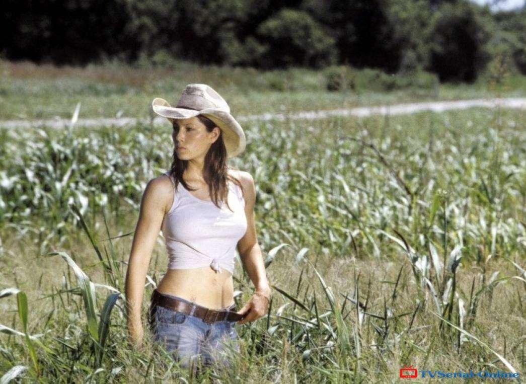 """""""Техасская резня бензопилой"""" - серия фильмов, начавшаяся с 1974 года (режиссер - Тоуб Хупер)."""